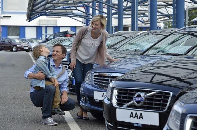 Dzięki 500+ Polacy kupują droższe auta używane